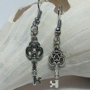 Antique Elegant Keys Earrings